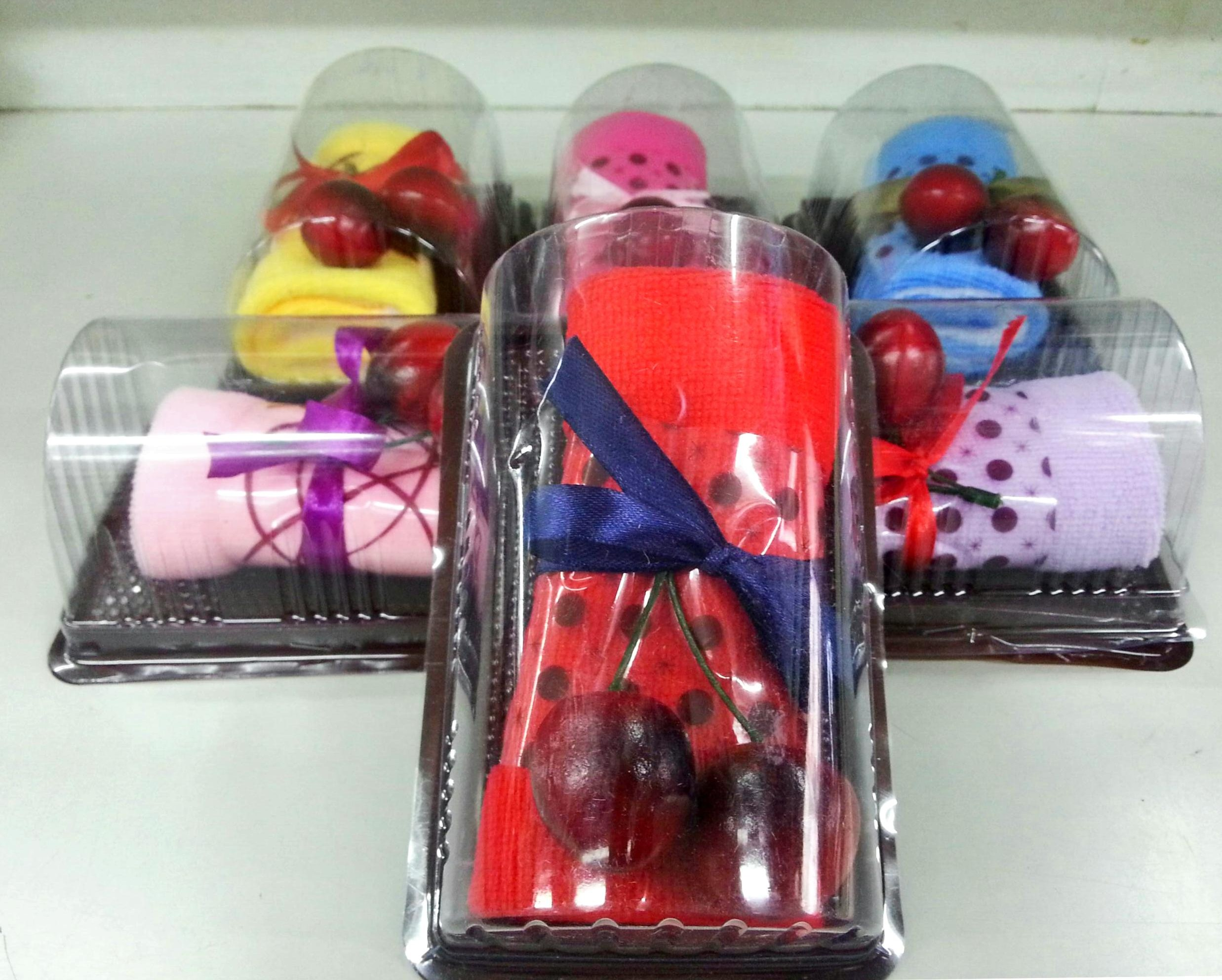แยมโรลผ้าขนหนู เซอร์ไพร์สวันพิเศษ (วันเกิด,วันวาเลนไทน์,วันแห่งความรัก) สีแดง