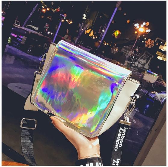 [ พร้อมส่ง ] - กระเป๋าคลัทช์ สะพาย สีโฮโลแกรม ดีไซน์สวยเก๋เท่ๆ รับสงกรานต์ งานสวยโดดเด่น ขนาดกระทัดรัด งานสวยมากๆค่ะ