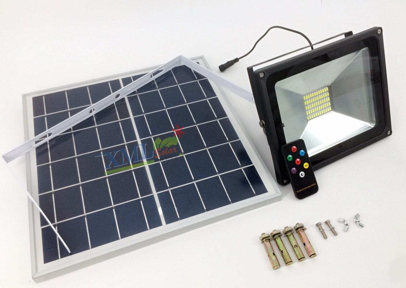 ไฟสปอตไลท์โซล่าเซลล์ 30 Watt (กล่องเขียว) (เเสง : ขาว)