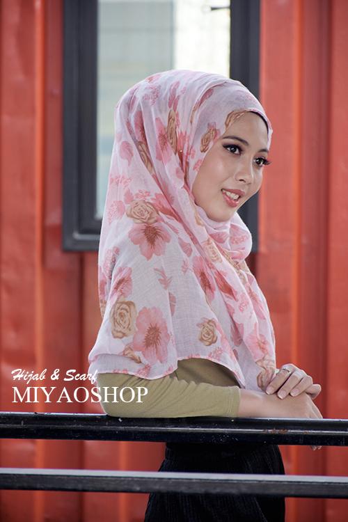 ผ้าคลุม อิสลาม วิสคอส viscose พิมพ์ลาย ดอกกุหลาบ HJ07024-1