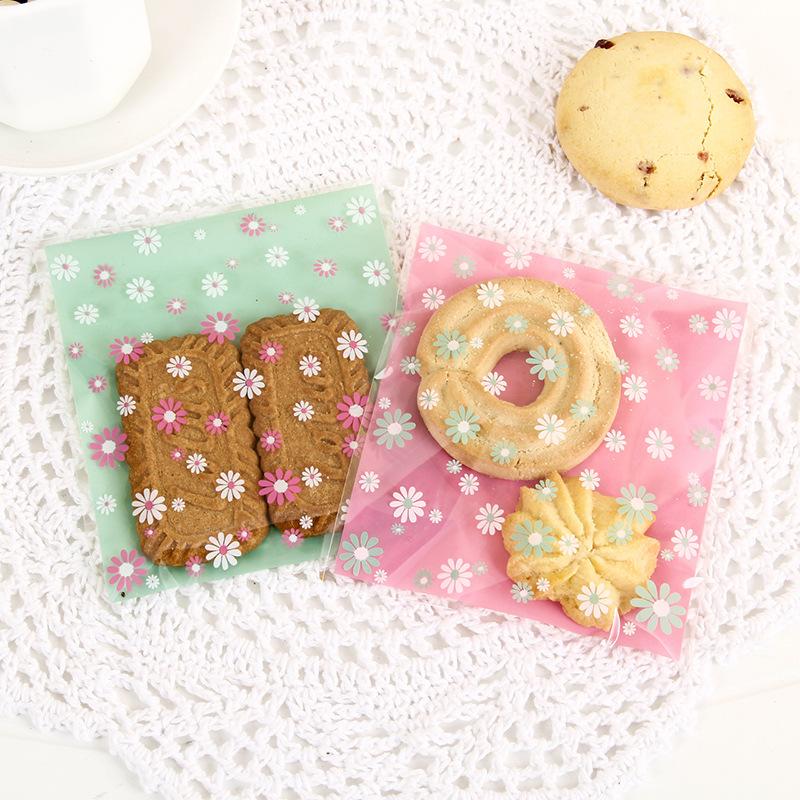 ถุงเบเกอรี่ ถุงบิสกิต ถุงขนม แบบมีเทปกาว 10*10+3cm. (100ใบ/แพ็ค)