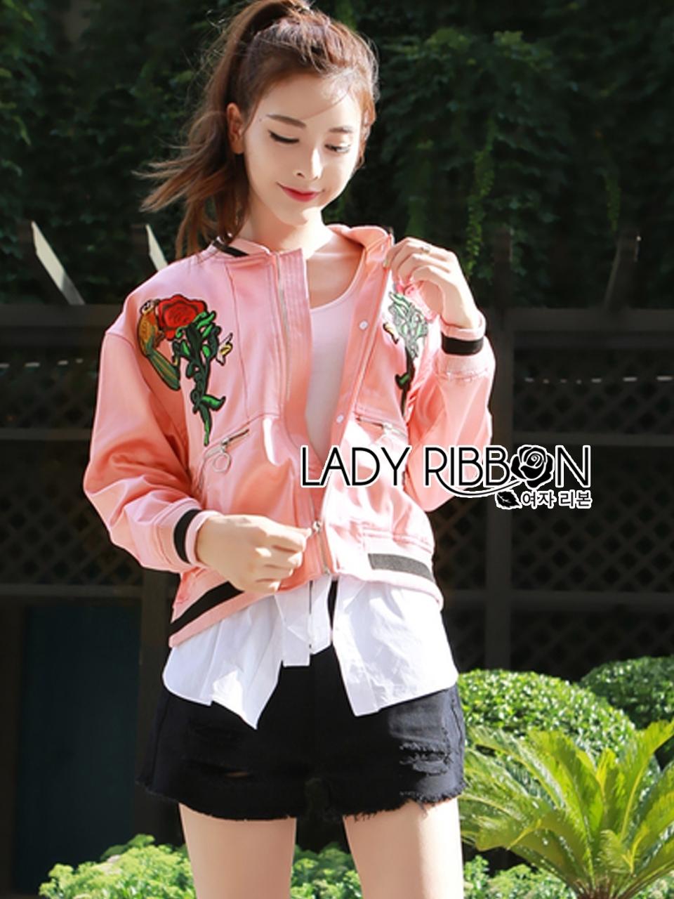 เสื้อผ้าเกาหลี พร้อมส่งบอมเบอร์แจ๊กเก็ตสีชมพูปักลายกุหลาบแดงสไตล์สปอร์ต