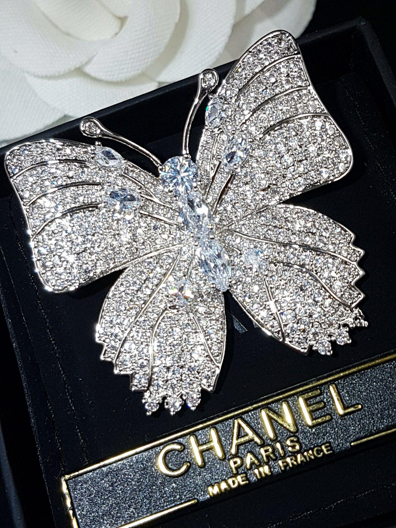 พร้อมส่ง big butterfly diamond Brooch เข็มกลัดเพชรทรงผีเสื้อ สไตส์ chanel