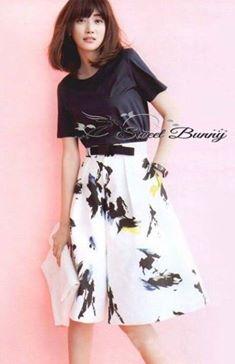 เสื้อผ้าเกาหลี พร้อมส่งเซ็ทเสื้อ+กางเกง+เข็มขัด เสื้อผ้ายืดสีดำเนื้อดีหนานุ่มใส่สบาย