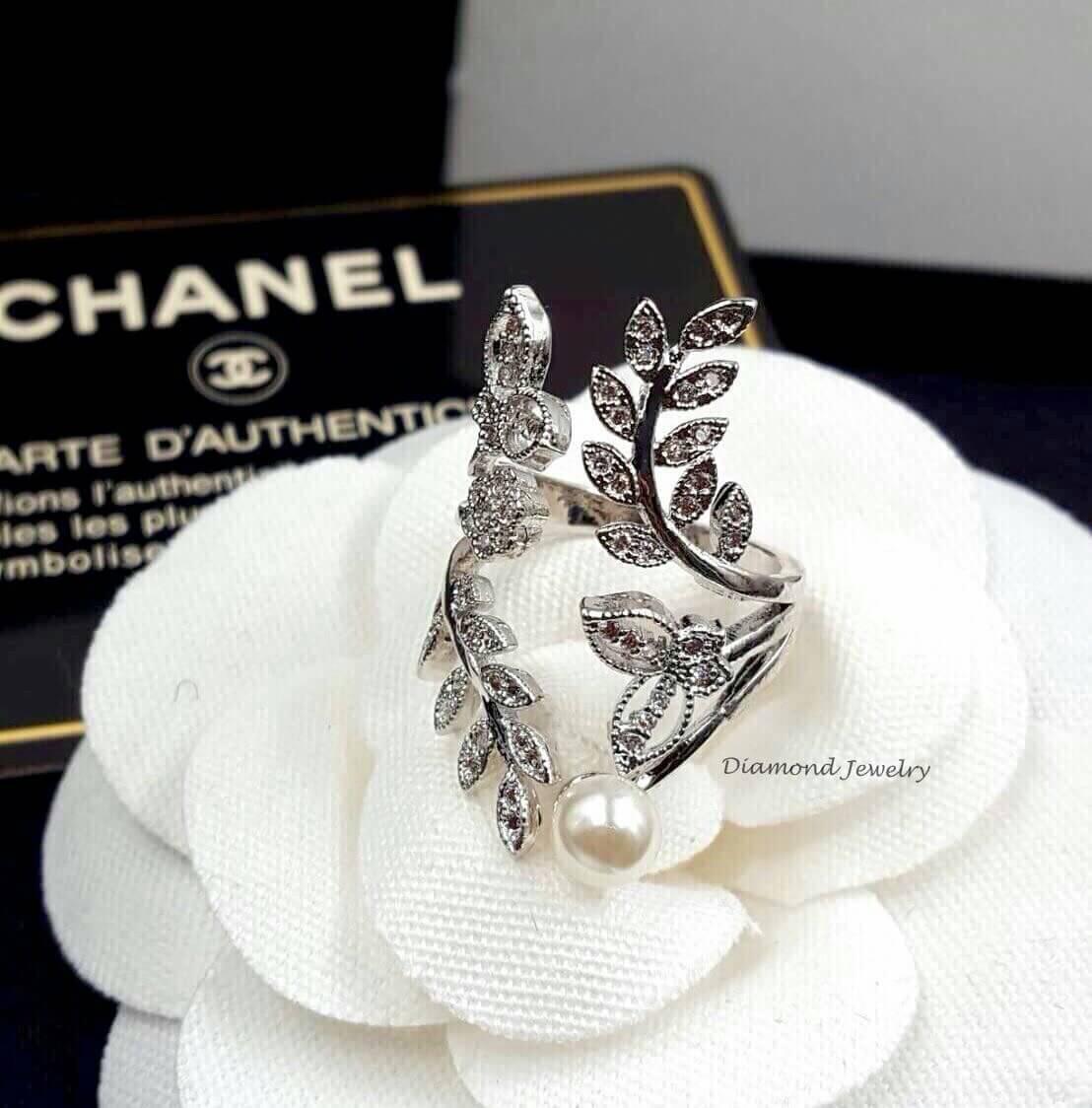 พร้อมส่ง แหวนใบมะกอกงานสวยกริ๊บ
