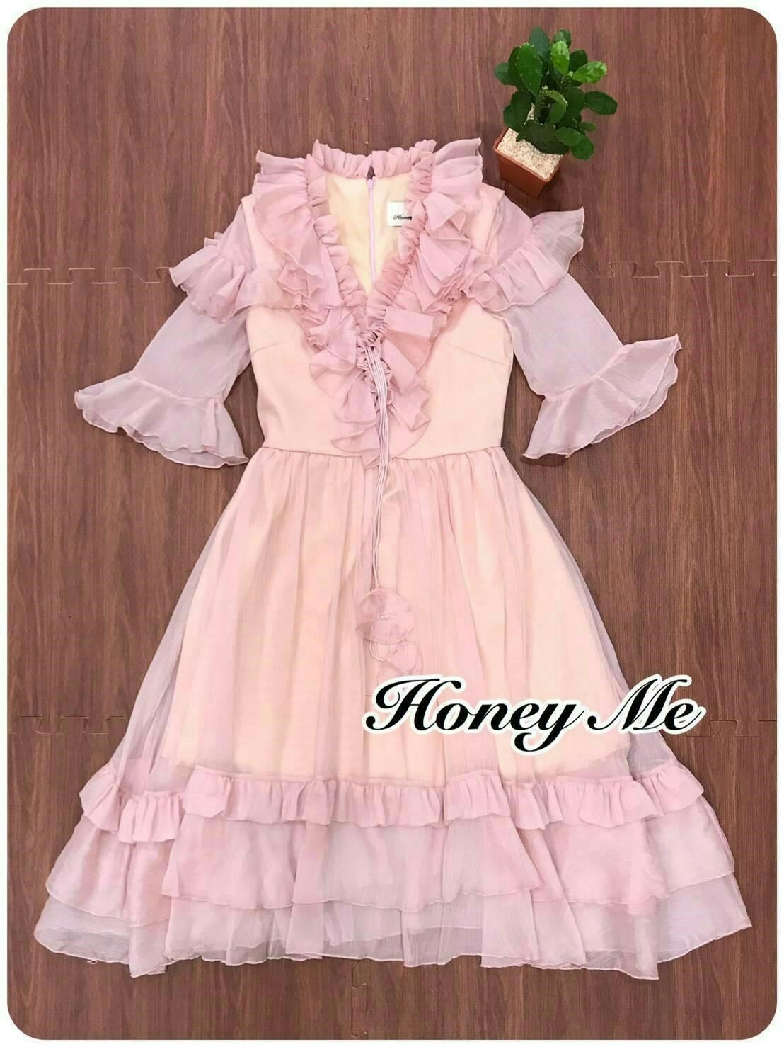 ชุดเดรสแฟชั่นพร้อมส่ง Dressงานคลาสสิคสีชมพู