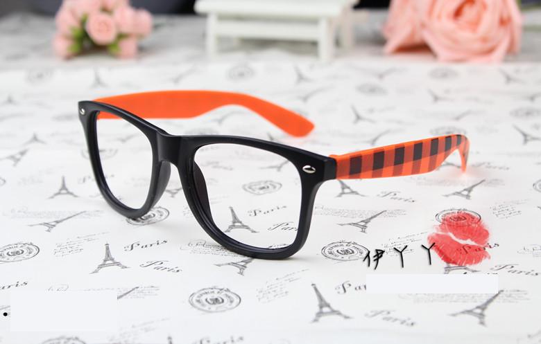 แว่นตาแฟชั่นเกาหลี หมากรุกดำส้ม (ไม่มีเลนส์)