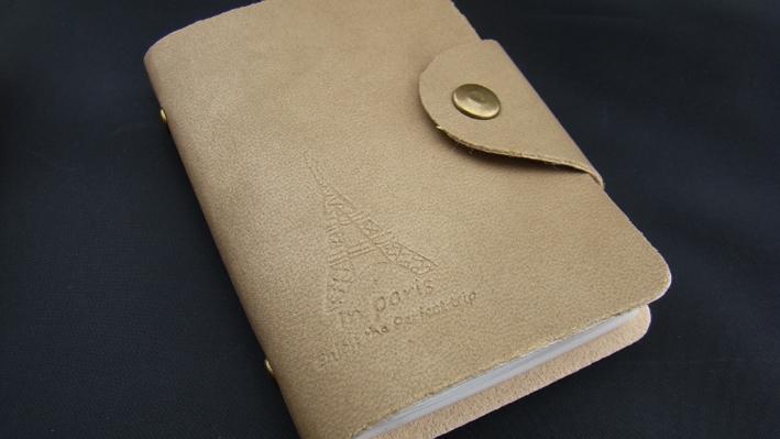 "*SALE* (มีตำหนิ) Card Holder ""In Paris"" กระเป๋าใส่บัตร 20 ช่อง สีโทป (เทาอมน้ำตาล)"