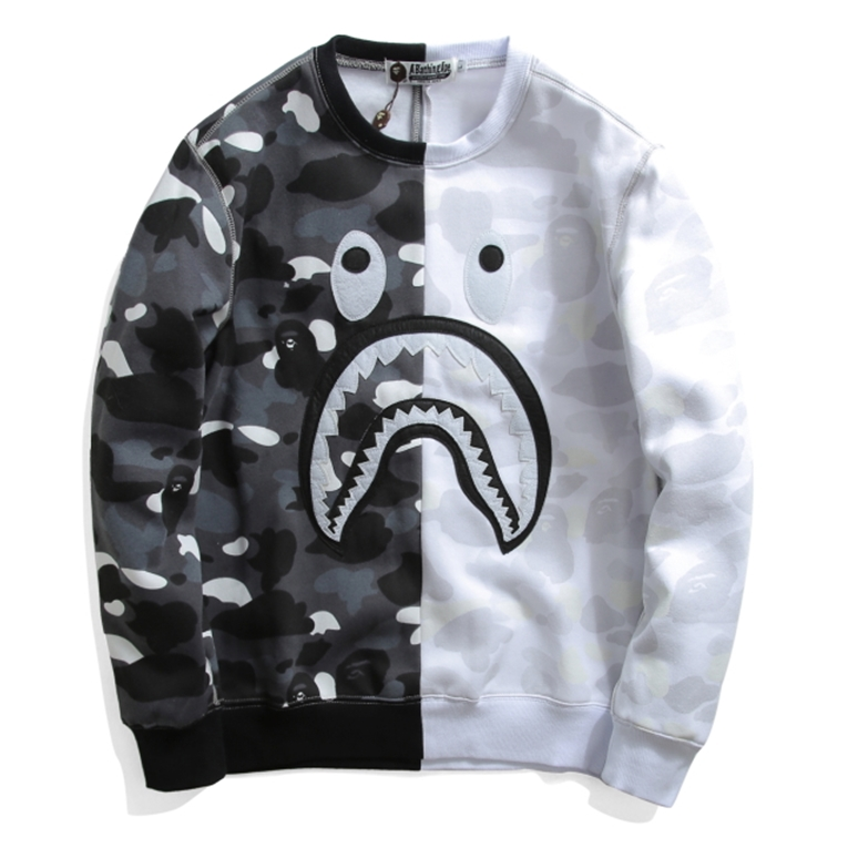 A BATHING APE SWEATER