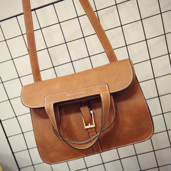 กระเป๋าสะพายสไตล์ Messenger Bag