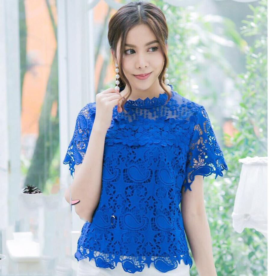 เสื้อลูกไม้สีน้ำเงิน