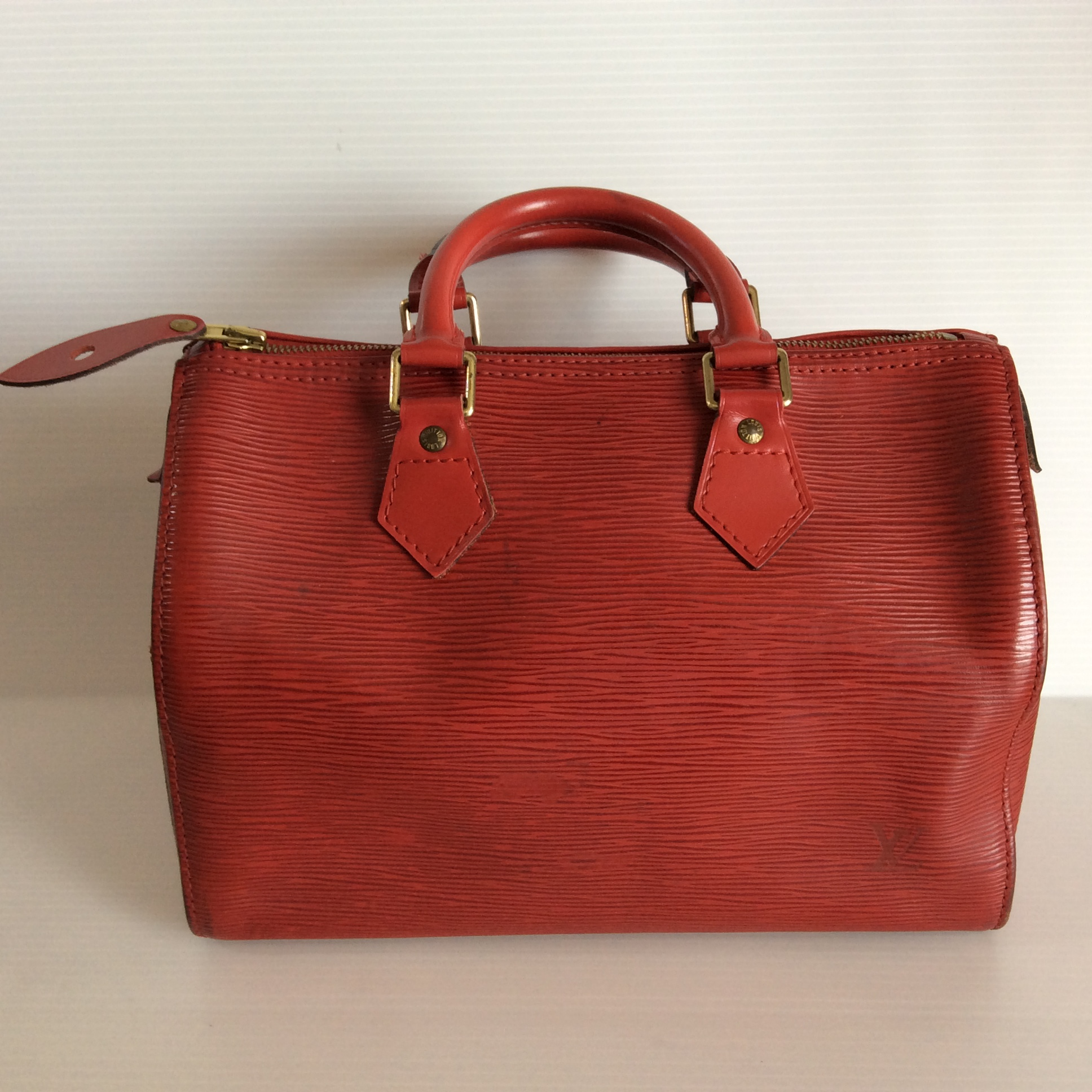 [SOLDOUT]Used : กระเป๋า Louisvuitton Speedy 25 Epi Red