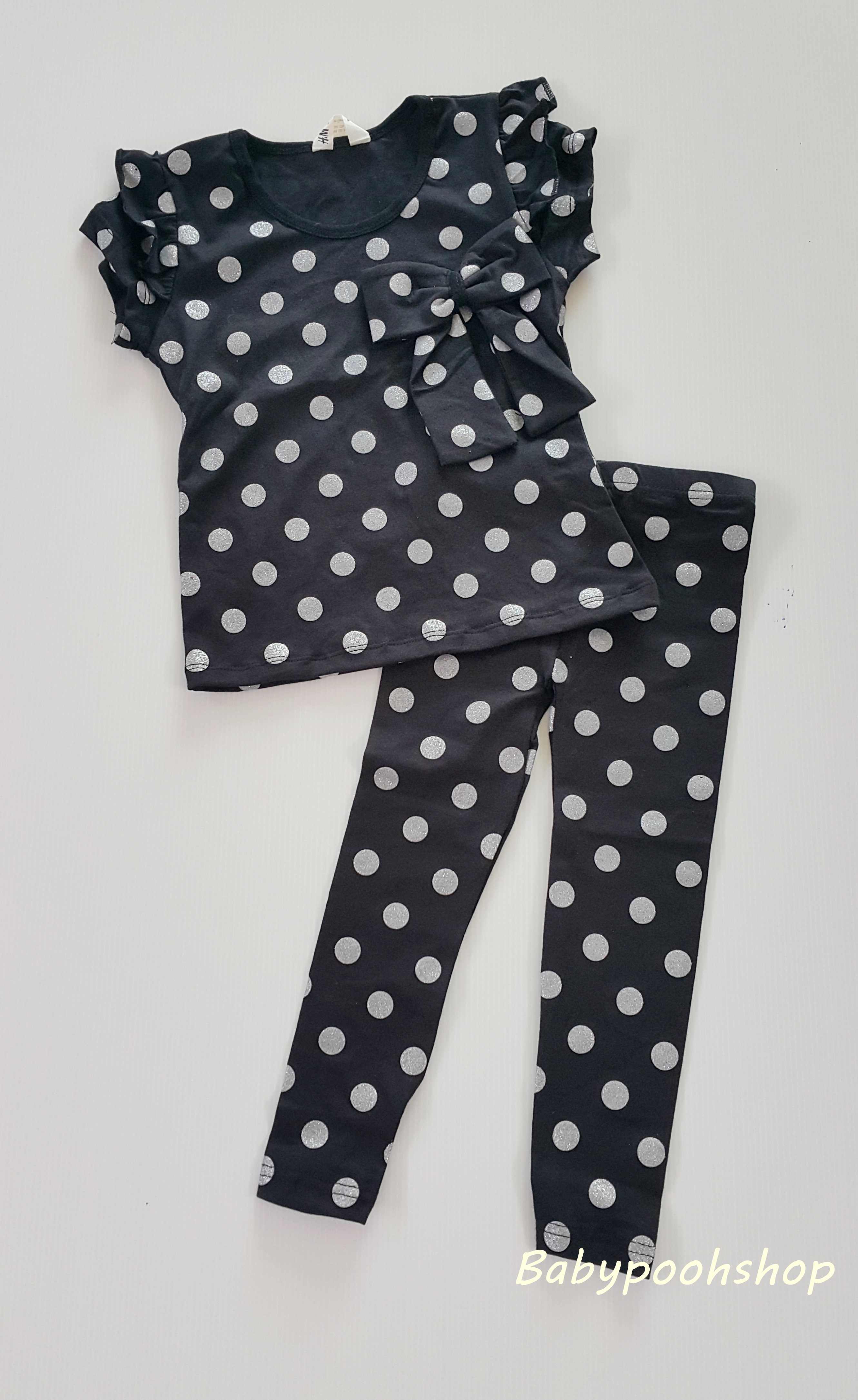 H&M : set เสื้อ+เลกกิ้ง สีดำ ลายจุด size : 2-3y