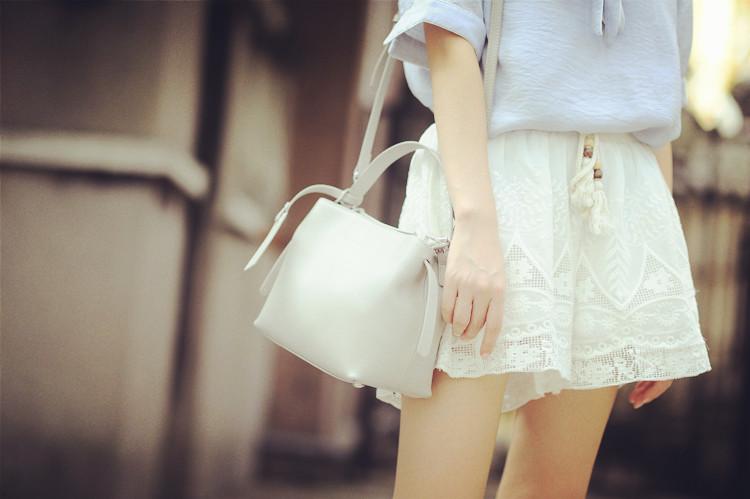 กระเป๋าหนังแท้ larorika (ขนาด 26x19.5x12CM)