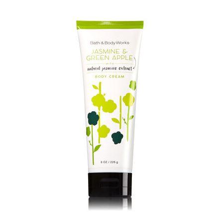 **พร้อมส่ง**Bath & Body Works Jasmine & Green Apple Body Cream 226g. ครีมบำรุงผิวสุดเข้มข้น มีกลิ่นหอมติดทนนาน ด้วยกลิ่นหอมปลุกความสดชื่นของดอกมะลิ ผสมกับกลิ่นแอปเปิ้ลเขียว หอมสดชื่นลงตัวสุดๆ ,