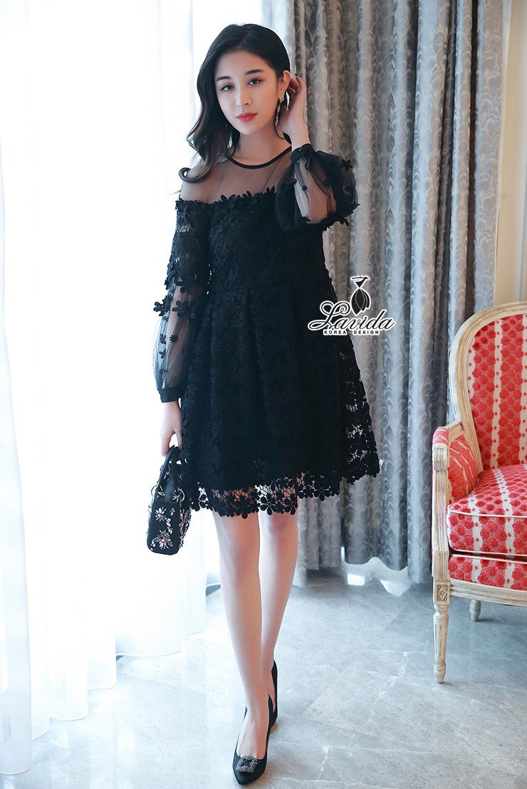 Korea Design By Lavida Elegant floral lace see through shoulder luxury dress สีดำ