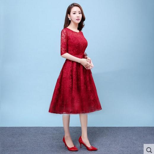 ชุดออกงาน ชุดไปงานแต่งงานสีแดง ผ้าลูกไม้เกรดพรีเมี่ยม คอกลม แขนสามส่วน เอวแต่งดอกไม้ ชุดสวยเหมือนแบบ ราคาถูก