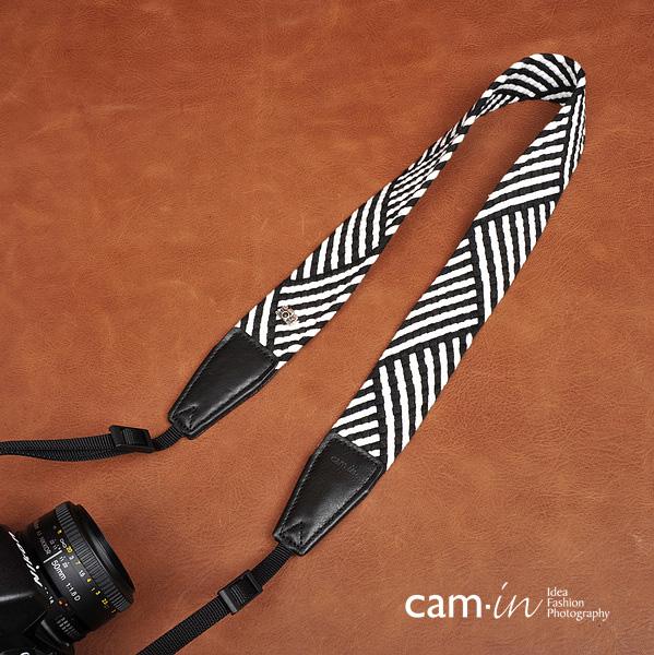 สายคล้องกล้องแนวๆ สีขาวดำ cam-in Black and White