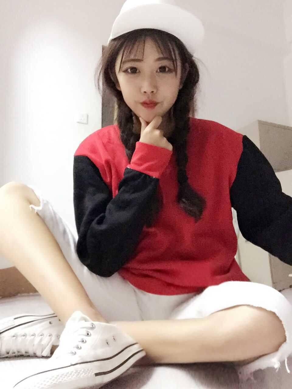 เสื้อแฟชั่นสไตล์ฮาราจูกุ แขนยาว บุกันหนาว สีทูโทน เสื้อสีแดงแขนสีดำ