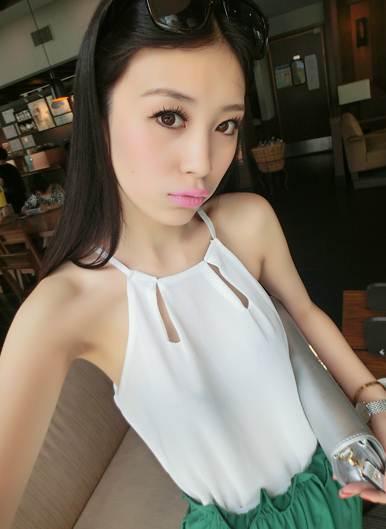(SALE) สายเดี่ยวชีฟอง แฟชั่น น่ารักๆ สีขาว