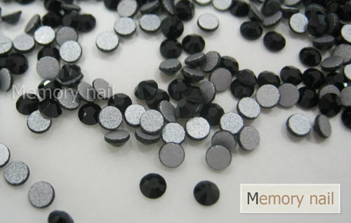 เพชรชวาAA สีดำ ขนาด ss10 ซองเล็ก บรรจุประมาณ 80-100 เม็ด