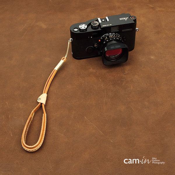 สายกล้องคล้องมือหนังแท้ รุ่น Cam-in Cool Wrist Strap สีครีม