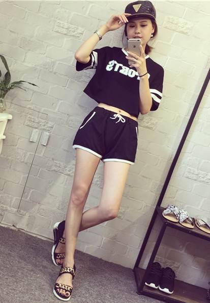 ชุดเซต 2 ชิ้น เสื้อแฟชั่นลาย sport +กางเกงขาสั้น