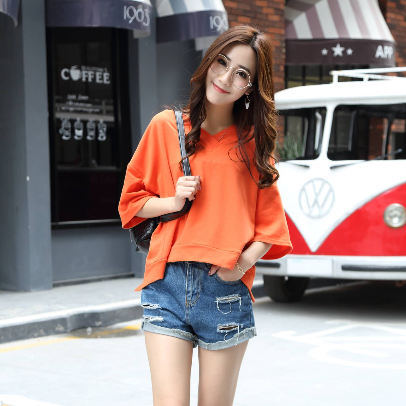 เสื้อแฟชั่น คอกลม แขนสั้น เปิดหลัง sexy สีส้ม