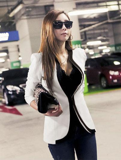 เสื้อสูทแฟชั่น เสื้อสูทผู้หญิง สีขาว แขนยาว แต่งขลิบสีดำ
