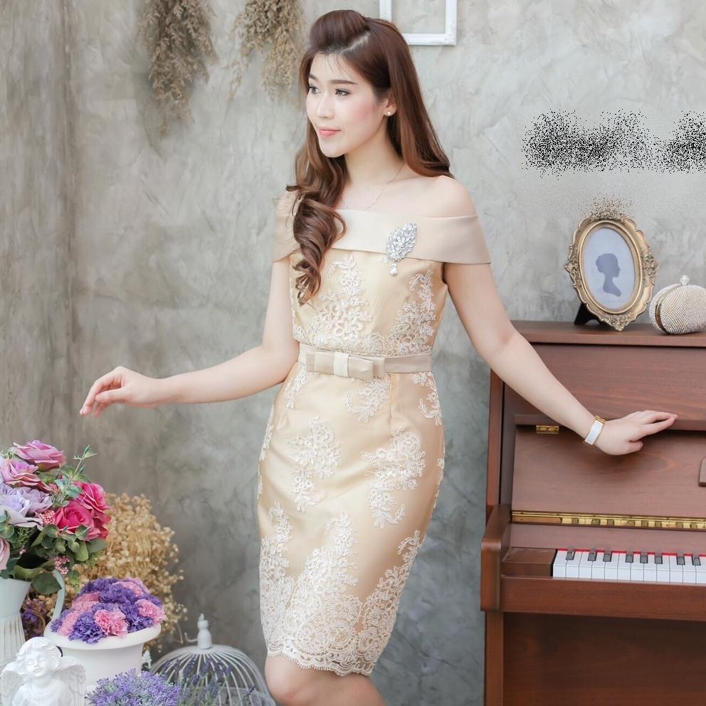 ชุดเดรสสวยหรูออกงาน ไปงานแต่งงานสีทอง เปิดไหล เข้ารูปทรงสอบ ผ้าไหมปักลายลูกไม้ พร้อมเข็มขัดเข้าชุด