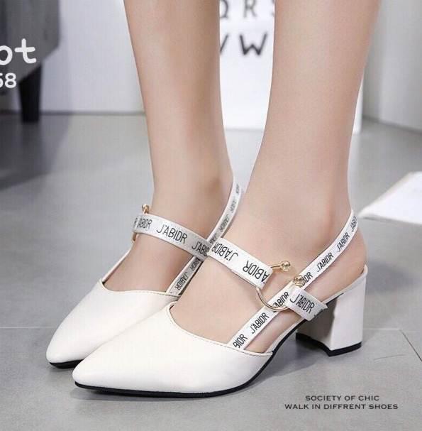 รองเท้าส้นตันรัดส้นสีกากี New Collection Christian Dior 2017 (สีกากี )