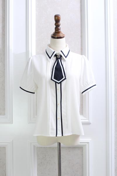 Pre-Order เสื้อคอปกแขนสั้น ผูกไทด์แบบสั้น แต่งลายคาดเส้นบาง มีไทด์2สี