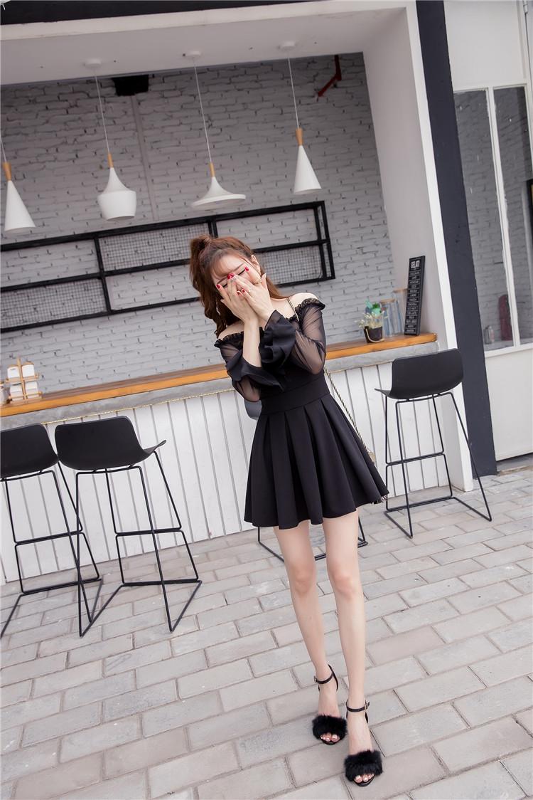 ชุดเดรสแฟชั่นเกาหลีสีดำปาดไหล่สวยๆ