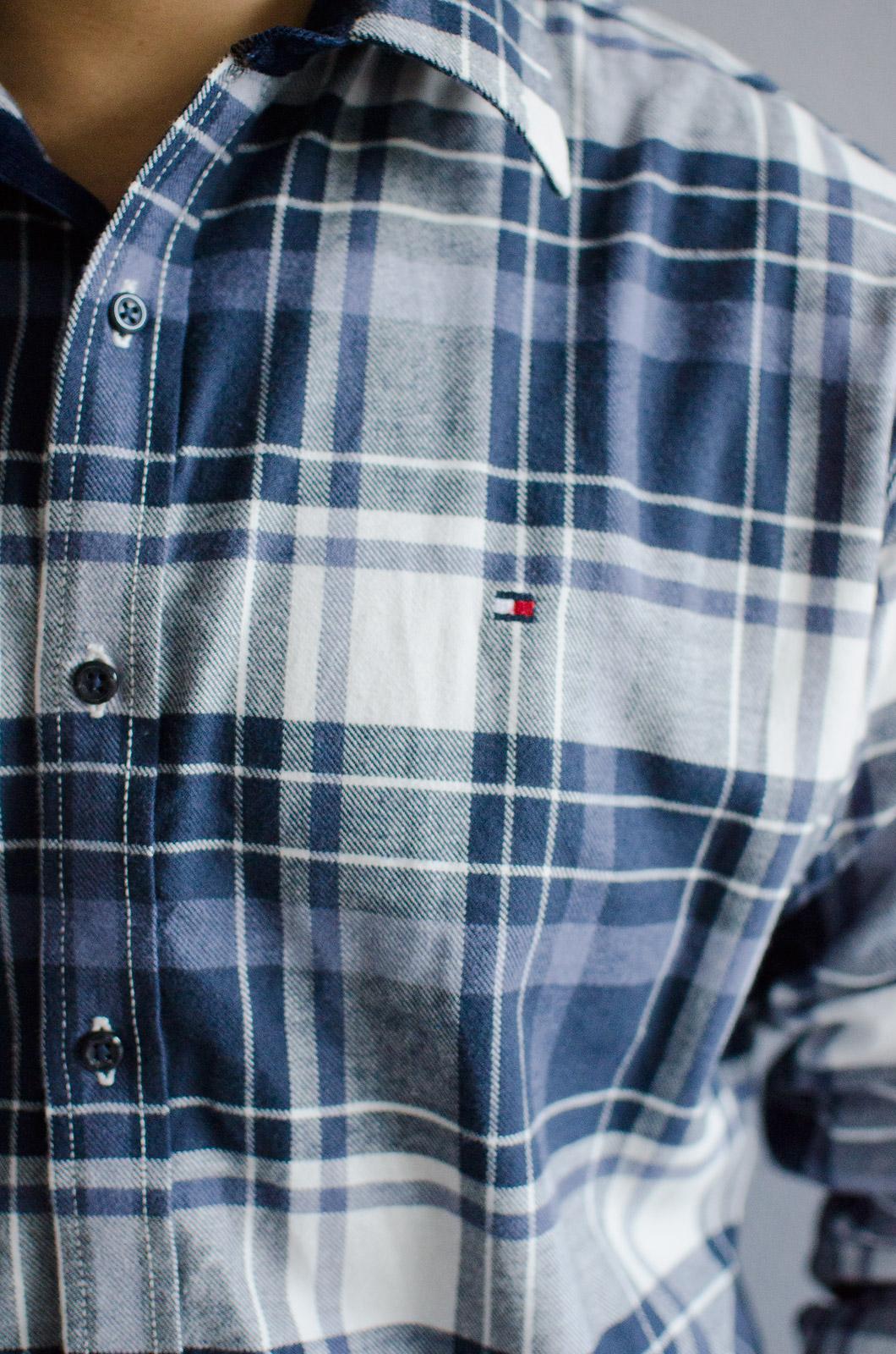 เสื้อลายสก๊อตสีน้ำเงิน TOMMY