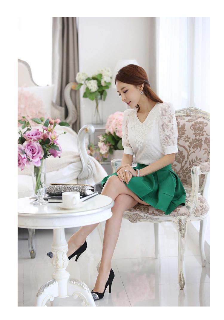 รหัส MN25 เสื้อสตรีสีขาวเนื้อดี ช่วงตัวและแขนเป็นผ้าลูกไม้สวยหวาน