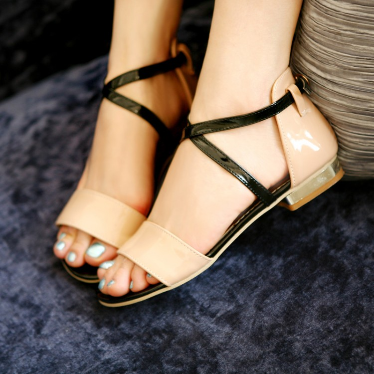 Preorder รองเท้าแฟชั่น สไตล์เกาหลี 34-43 รหัส 9DA-8605