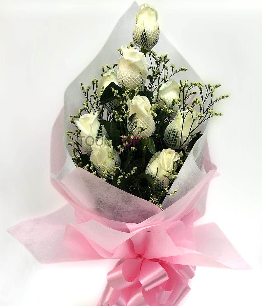 ช่อดอกกุหลาบขาว 9 ดอก