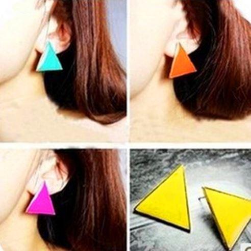 Preorder ตุ้มหู สามเหลี่ยม Colorfull มีหลายสีให้เลือก Orange , Yellow , Purple ,White