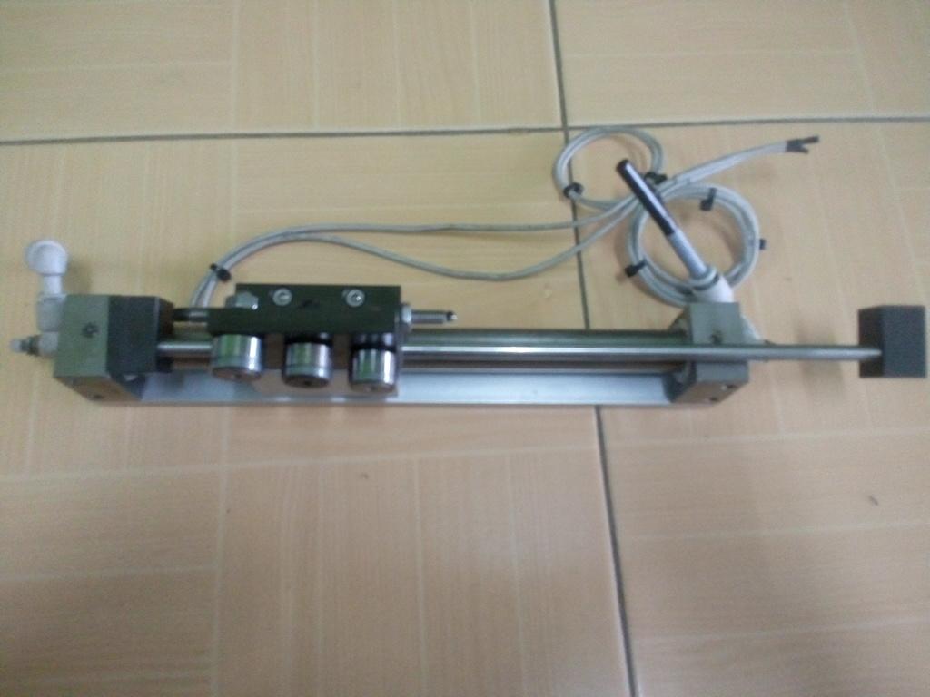 กระบอกลม SMC MODEL:CY3R15-150 สินค้ามือ 2