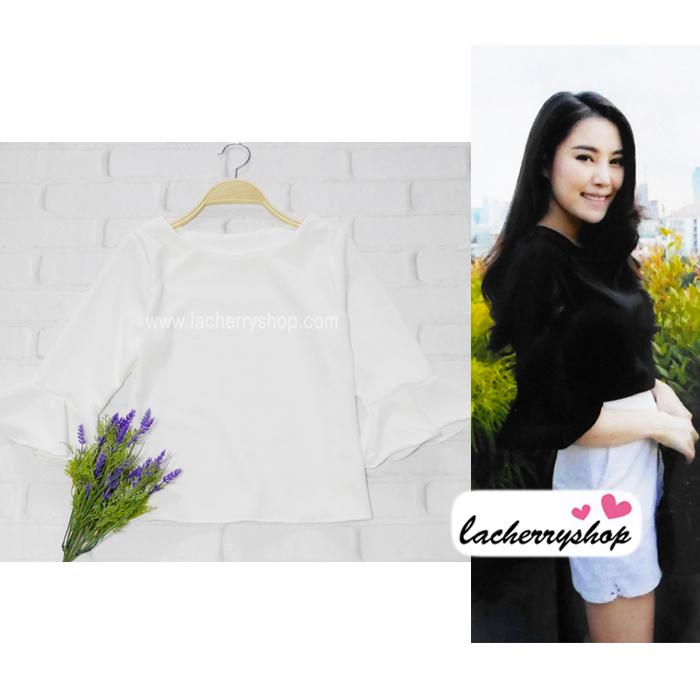 เสื้อแฟชั่น เสื้อทำงาน ผ้าฮานาโกะ สีขาว แขนกระดิ่งสามส่วน แบบสวยเรียบหรู สินค้าคุณภาพ ราคาไม่แพง