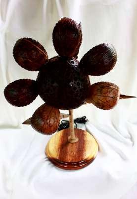 Coconut Shell Lamp , Sun Flower (โคมไฟกะลามะพร้าวดอกทานตะวัน)