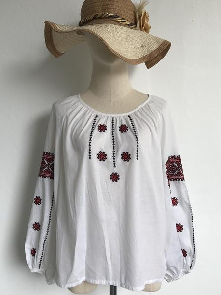 เสื้อปักมือวินเทจ Romania blouse