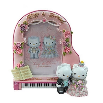 [Preorder] กรอบรูปแฟชั่นคู่บ่าวสาว Hello Kitty สีชมพู Cheap hot models cartoon photo frame ornaments Ornaments hello kitty wedding piano Frame Edition