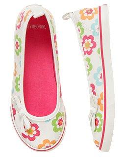 รองเท้า Gymboree Flower Sneaker (เด็กโต) งานนำเข้า USA ผ้าแคนวาสสีขาว ลายดอกไม้สดใส ติดโบว์เก๋ ใส่สบาย น่ารักมากค่ะ size