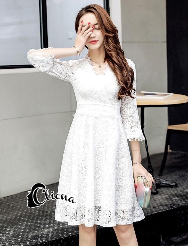 พร้อมส่ง mini dress แขนยาวสีขาว