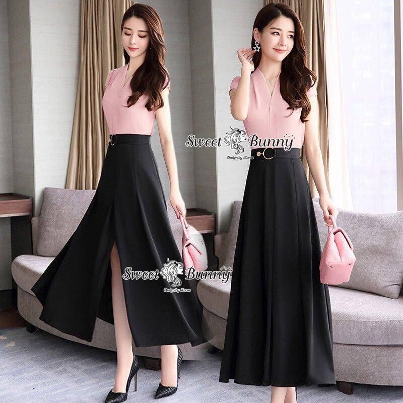 เสื้อผ้าเกาหลี พร้อมส่ง เสื้อ กับ กระโปรงเอวสูงผ้าสีดำ