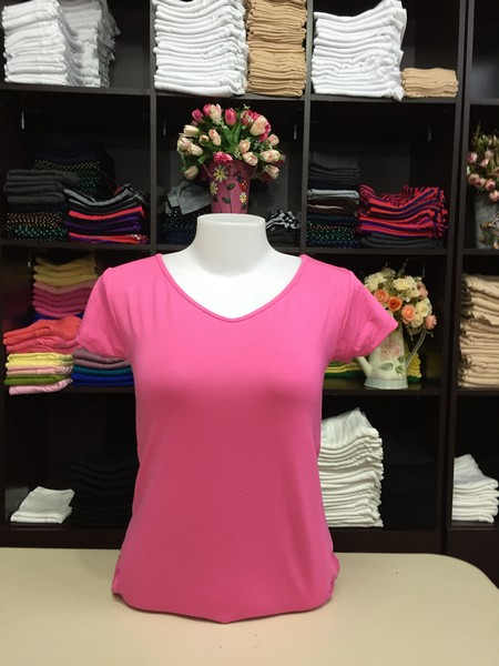 """เสื้อยืดคอวี สีชมพูหวาน size """"M"""""""
