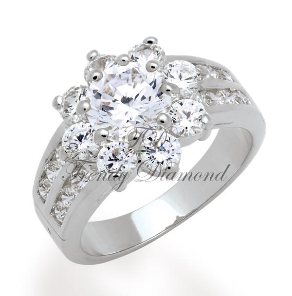 แหวนเพชรCZ เพชรสวิส ล้อมพิกุลบ่าคู่ สีทองคำขาว